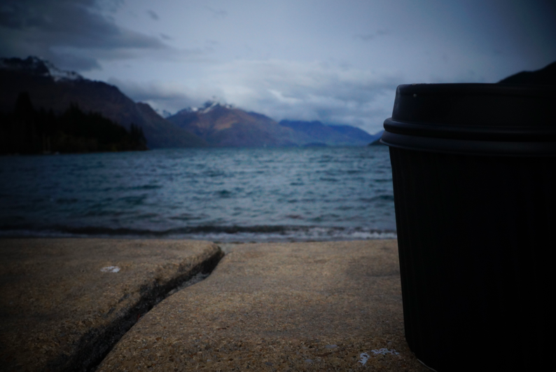 My cup coffee that day, enjoying it by the lake Wakatipu. What a morning!
